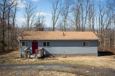 Single Family Home Sold: 353 Dark Hollow Ln