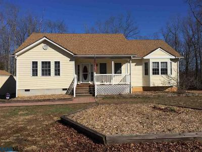 Louisa Single Family Home For Sale: 550 Walnut Shade Rd