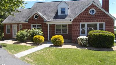 Augusta County Single Family Home For Sale: 2449 Shutterlee Mill Rd