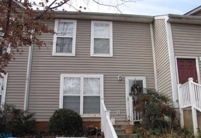 Townhome Sold: 116 Hartford Ct
