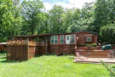 Shenandoah County Single Family Home For Sale: 1250 Sundance Retreat Ln