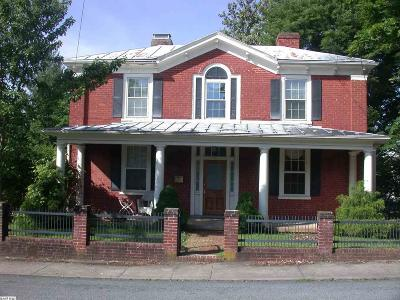 Staunton County Single Family Home For Sale: 8 Tams St
