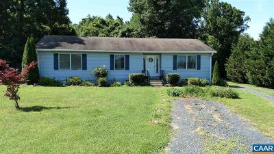 Buckingham County Single Family Home For Sale: 5255 Trents Mill Rd