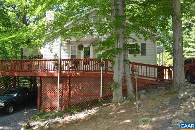 Palmyra Single Family Home For Sale: 41 Bridlewood Dr