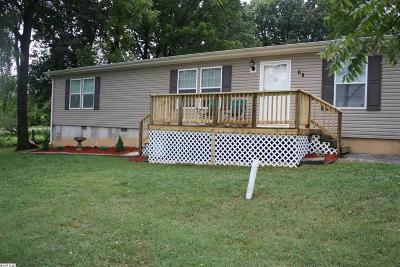 Stuarts Draft Single Family Home For Sale: 68 Cloverdale Ln