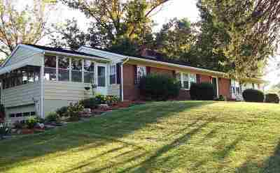 Page County Single Family Home For Sale: 2157 Us Hwy 211 W