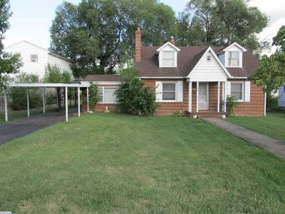 Waynesboro Single Family Home For Sale: 768 N Augusta Ave