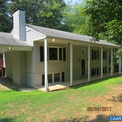 Palmyra Single Family Home For Sale: 8 Chickasaw Dr