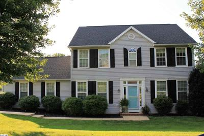 Staunton Single Family Home For Sale: 22 Fairfield Dr