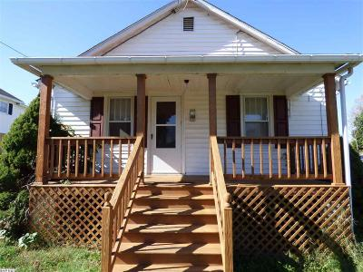Waynesboro County Single Family Home For Sale: 881 Sherwood Ave