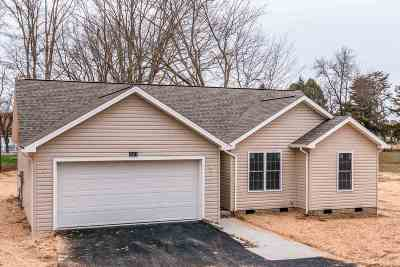 Rockingham County Single Family Home For Sale: 2001 Cherry Ave