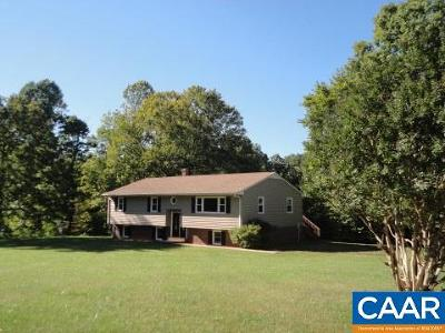 Louisa Single Family Home For Sale: 2567 Yanceyville Rd