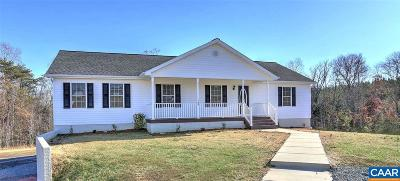 Louisa Single Family Home For Sale: 165 Lancaster Ct