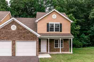 Rockingham County Townhome For Sale: 319 Willow Oaks Dr