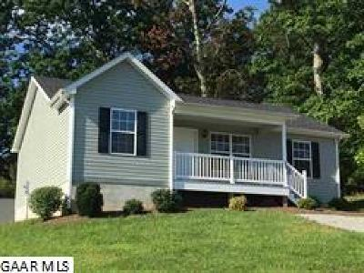 Waynesboro Single Family Home For Sale: 449 Kirby Ave