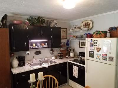 Shenandoah County Single Family Home For Sale: 216 Cabin Ln