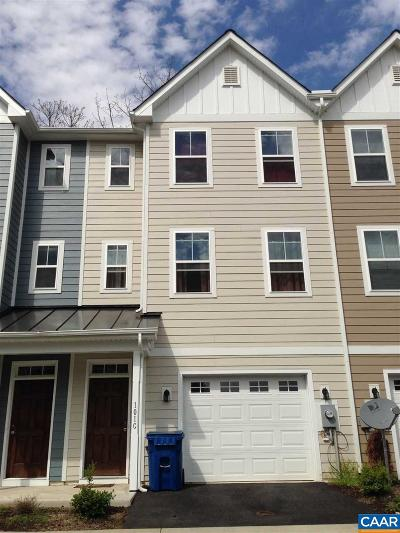 Townhome For Sale: 101 Longwood Dr #C