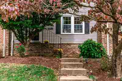 Townhome For Sale: 1066 Meadowlark Dr