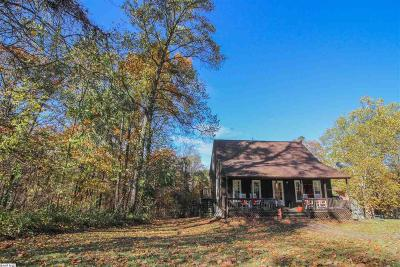 Augusta County Single Family Home For Sale: 139 Chestnut Dr