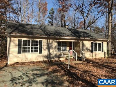 Palmyra Single Family Home For Sale: 621 Jefferson Dr