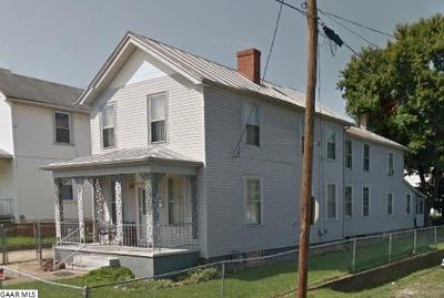 Staunton County Single Family Home For Sale: 802 Nelson St