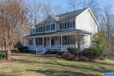 Palmyra Single Family Home For Sale: 150 Chapel Ct