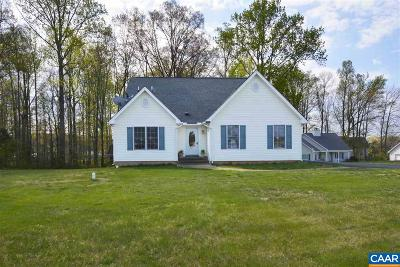 Louisa County Single Family Home For Sale: 221 Randolph St