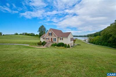 Louisa, Louisa County Single Family Home For Sale: 203 Stonewall Ct