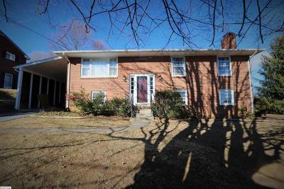 Staunton Single Family Home For Sale: 303 Burnley Dr