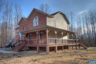Louisa Single Family Home For Sale: 5319 Woodstone Ct