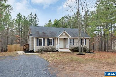 Buckingham County Single Family Home For Sale: 7838 Bridgeport Rd