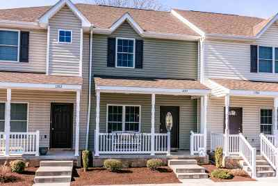 Townhome For Sale: 1284 Settlers Ln