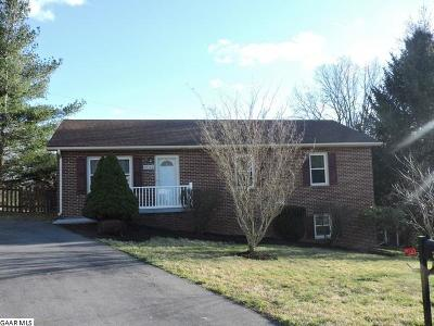Staunton Single Family Home For Sale: 2703 Knollwood Dr