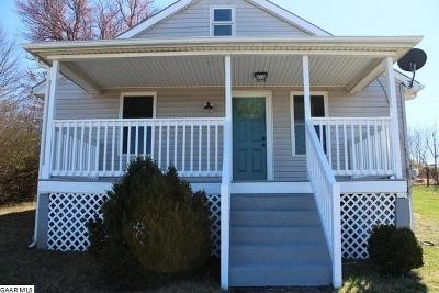 Waynesboro Single Family Home For Sale: 2078 Lyndhurst Rd