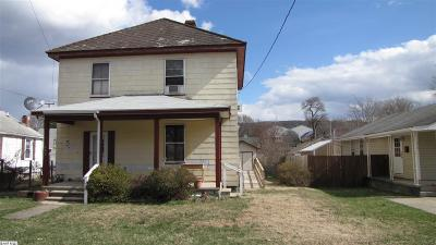 Waynesboro Single Family Home For Sale: 480 N Bath Ave
