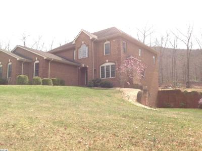 Augusta County Single Family Home For Sale: 911 Chinquapin Dr