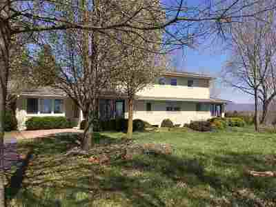 Rockingham County Single Family Home For Sale: 1097 Rinacas Corner Rd