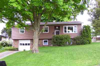 Harrisonburg Single Family Home For Sale: 300 Rockingham Dr