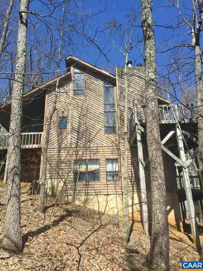 Single Family Home For Sale: 33 Blue Flint Ln