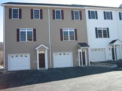 Townhome For Sale: 2311 Kendall Ln