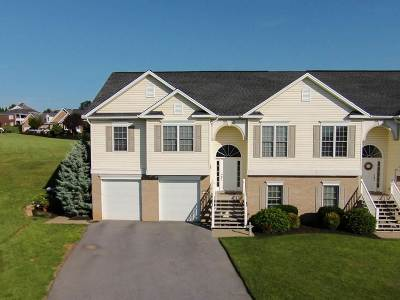Rockingham County Townhome For Sale: 28 Cambridge Cir