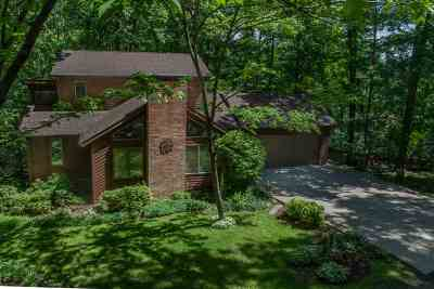 Single Family Home Sold: 221 Rhododendron Ct