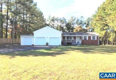 Louisa Single Family Home For Sale: 17220 Louisa Rd