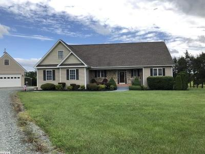Louisa County Single Family Home For Sale: 4884 Columbia Rd