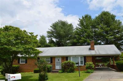 Staunton Single Family Home For Sale: 318 Sussex Dr