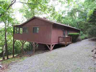 Shenandoah County Single Family Home For Sale: 325 Mockingbird Ln