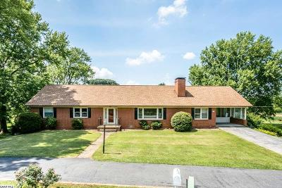 Fishersville Single Family Home For Sale: 127 Tinkling Spring Dr