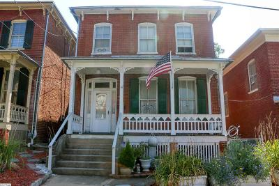 Staunton Single Family Home For Sale: 15 N Washington St