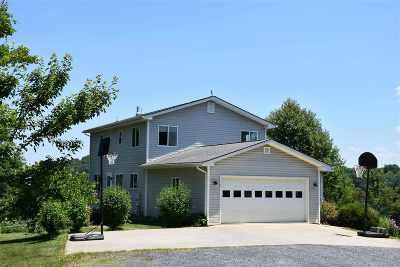 Augusta County Single Family Home For Sale: 59 Blackberry Ln