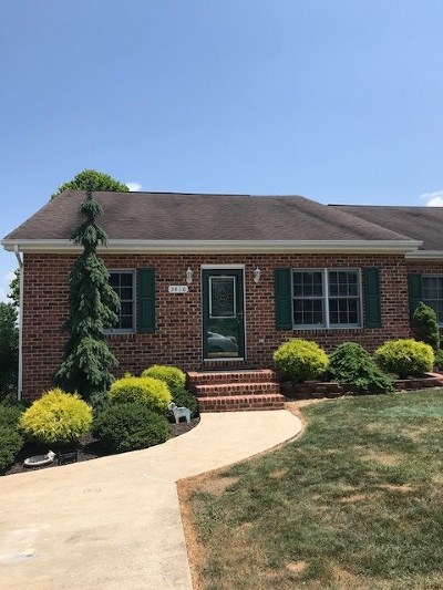 Townhome For Sale: 3480 Dawn Dr